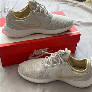 Women's Nike Roshe Two